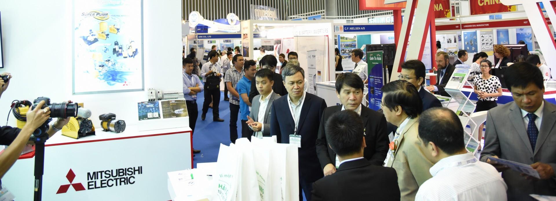 Khu gian hàng UK đã có mặt tại triển lãm RE & EE Vietnam 2017