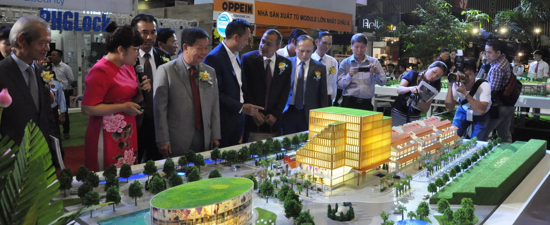 THE INTERNATIONAL EXHIBITION VIETBUILD 2017 - PHASE 2