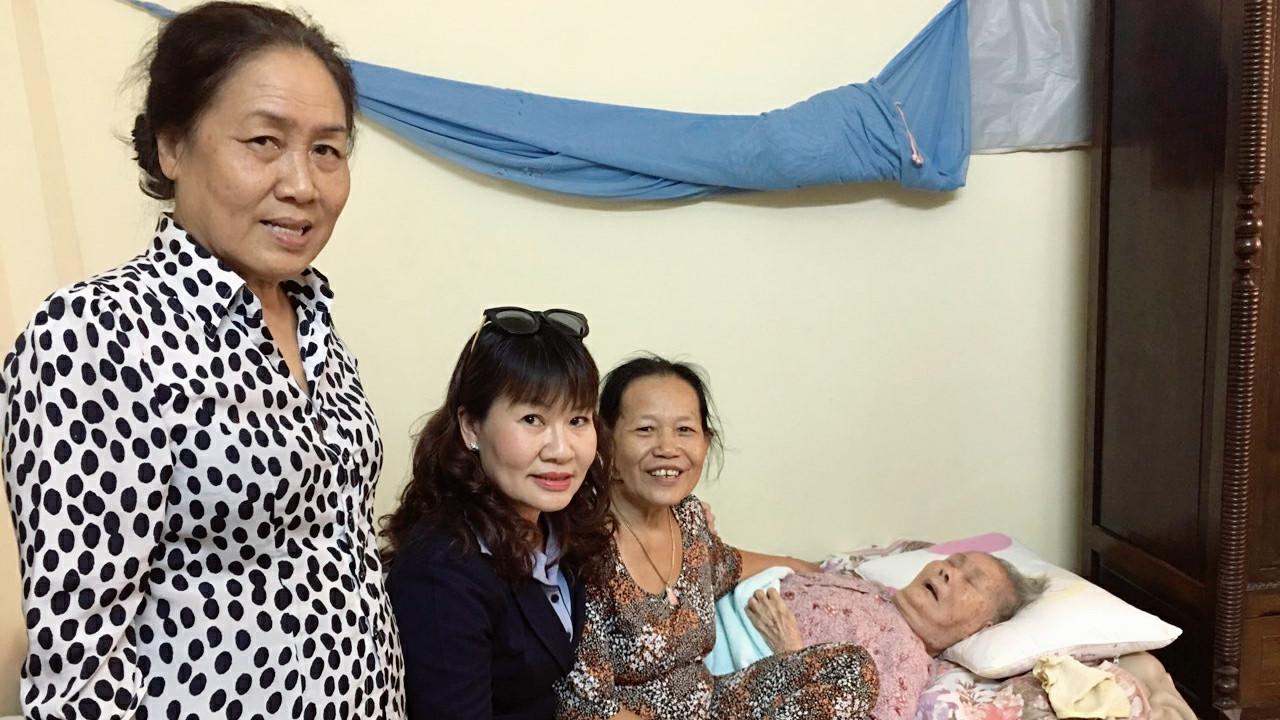 Visiting Vietnamese Heroic Mother
