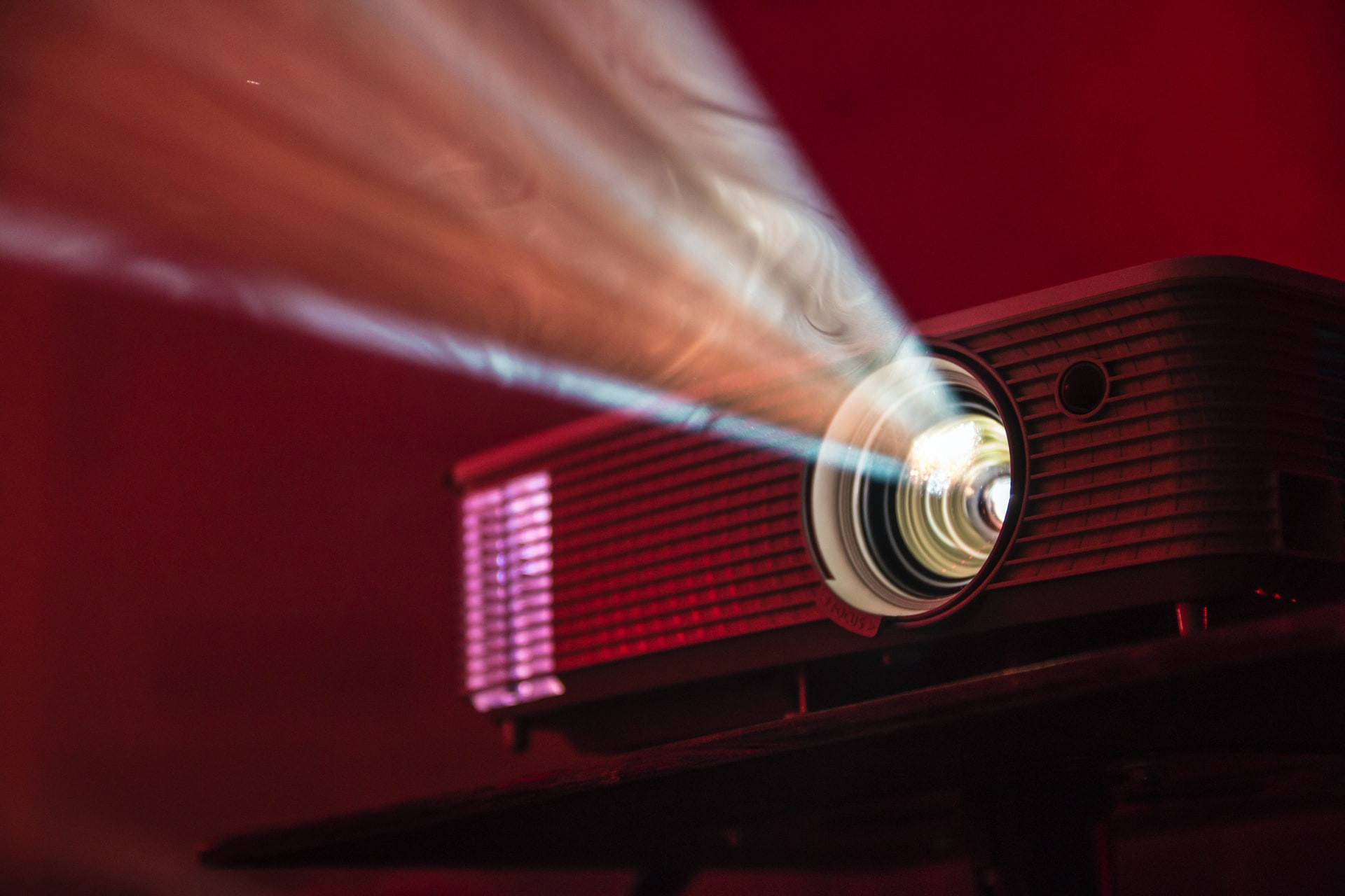 LCD SCREEN & PROJECTOR